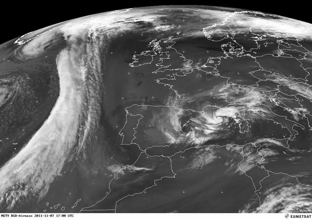 "That's what we call ""a front"" over the Atlantic. Invading Europe in the coming days.  Copyright 2011 EUMETSAT"